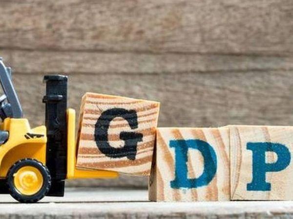 जनवरी से मार्च के दौरान यानी चौथी तिमाही में देश के सकल घरेलू उत्पाद (GDP) की विकास दर 1.6% रही है। - Dainik Bhaskar