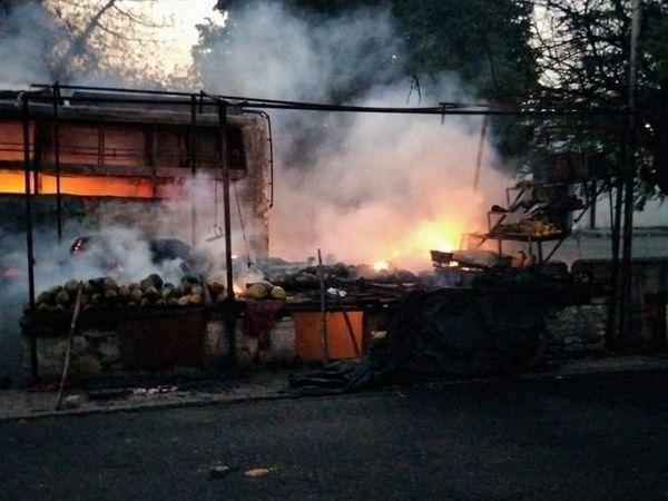 फ्रूट की दुकान (थड़ी) में लगी थी आग