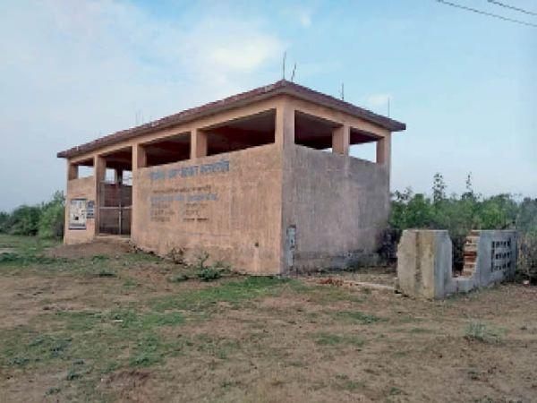 मसनगांव। लाखाें की लागत से बना कचरा निपटान घर व नाडेप। - Dainik Bhaskar