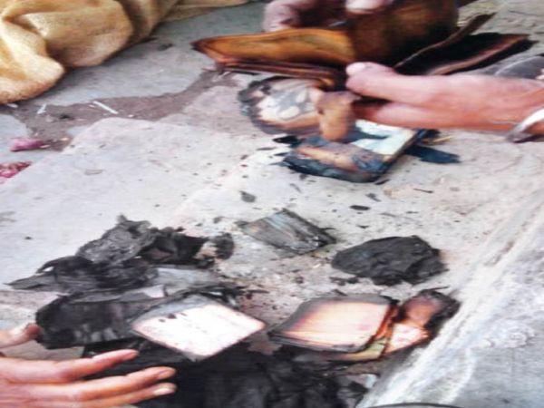 आग की घटना पर करीब 2 घंटे की मुशक्कत के बाद काबू डाला गया। - Dainik Bhaskar