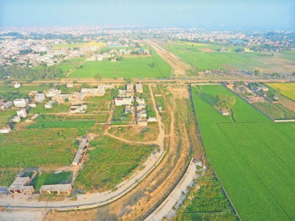पेंडिंग फंड को ले आमने-सामने थे रेलवे व सरकार - Dainik Bhaskar