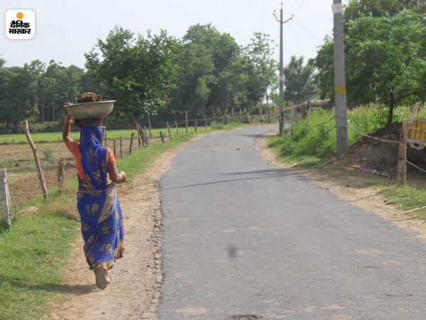 शराब पीने से लोगों की मौत होने के बाद अब पचपेडा गांव में सन्नाटा पसरा है।