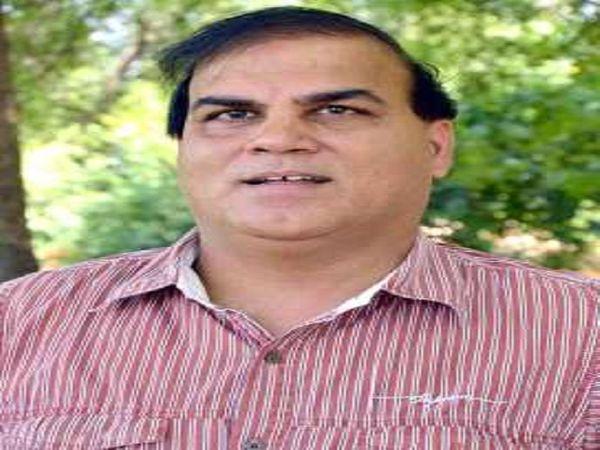 णजी के पूर्व क्रिकेटर संजय भाटिया। - Dainik Bhaskar