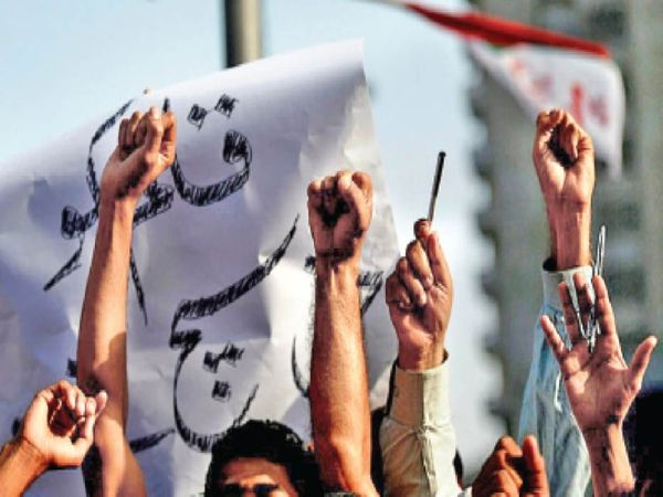 इमरान सरकार ने मीडिया को लेकर नए नियमों का प्रस्ताव तैयार किया है। - Dainik Bhaskar