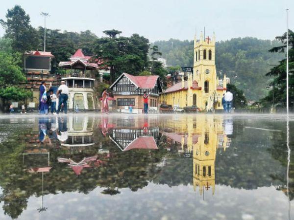 हिमाचल प्रदेश की राजधानी शिमला में बारिश के बाद मौसम सुहावना हो गया। - Dainik Bhaskar