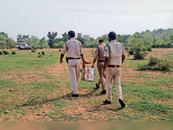 छतरपुर पुलिस ने एक दान पेटी की बरामद। - Dainik Bhaskar
