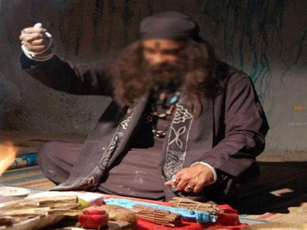 इस बारे में पुलिस को शिकायत की गई थी लेकिन चोर पकड़ा नहीं जा सका। - Dainik Bhaskar