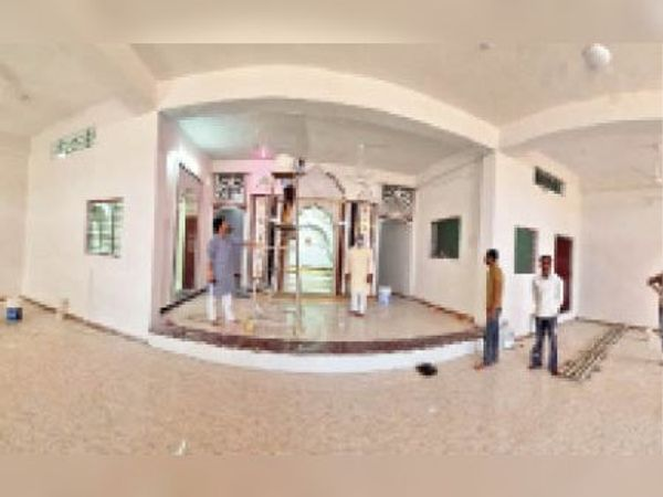 वार्ड 15 में नागरिकों द्वारा किया जा रहा राम-जानकी मंदिर का निर्माण। - Dainik Bhaskar