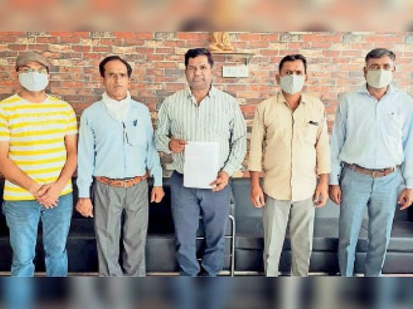 सरकार प्लैज मनी को जल्द-से-जल्द निकलवाने की दे स्वीकृति : एनआर गुप्ता - Dainik Bhaskar