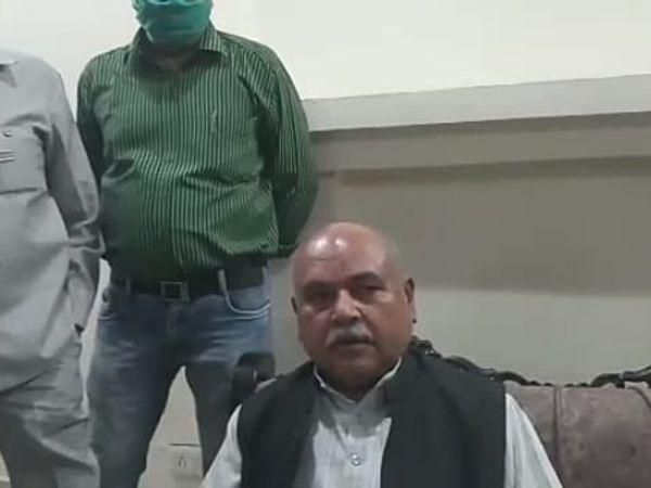 पत्रकारों से सर्किट हाउस में र - Dainik Bhaskar