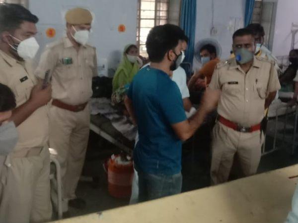 ब्लैक फंगस से पीड़ित मरीज की मौत के बाद परिजनों ने अस्पताल पर लापरवाही का आरोप लगाते हुए हंगामा कर दिया  - Dainik Bhaskar