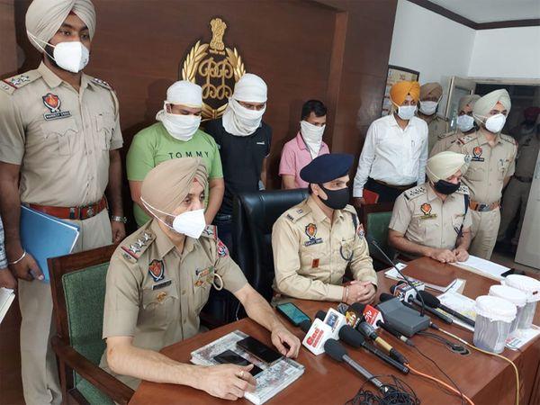 मोहाली पुलिस ने इंजेक्शन बेचने के नाम पर ठगी करने वाले तीन युवकों को पकड़ा। - Dainik Bhaskar
