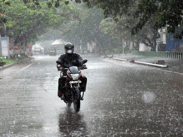 मानसून 3 जून को केरल पहुंचा था। इसके सभी मानक पूरे होने के बाद मौसम विभाग ने मानसून के केरल पहुंचने की घोषणा की थी। - Dainik Bhaskar