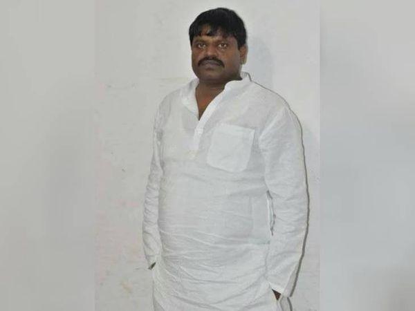 सुरेंद्र कालिया के इकबालिया बयान के बाद पुलिस ने पूर्व विधायक अभय सिंह के खिलाफ एफआईआर दर्ज कर ली है।