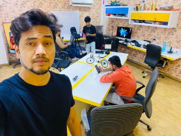 अपने दोस्त से पांच लाख रुपए लेकर सुधांशु ने मुंबई में अपना दफ्तर खोला था। एक साल बाद कर्ज चुका भी दिया।