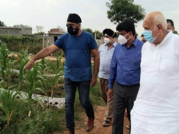 गेहूं क्रय केंद्र का निरीक्षण करने पहुंचे कृषि मंत्री सूर्य प्रताप शाही। - Dainik Bhaskar