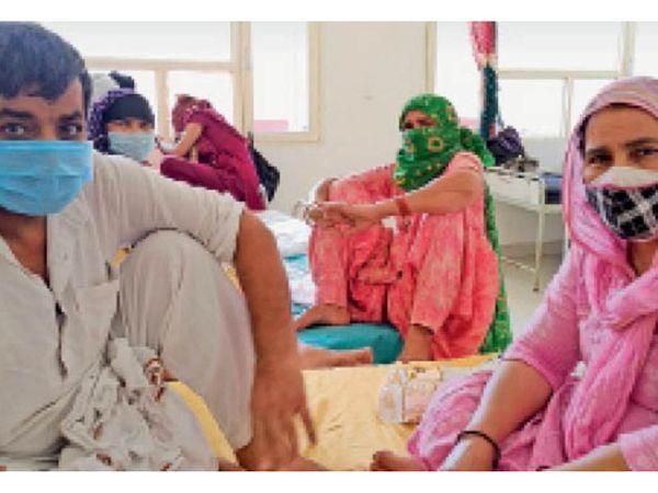 अग्रोहा स्थित महाराजा अग्रसेन मेडिकल कॉलेज में भर्ती मरीज। - Dainik Bhaskar