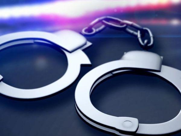 आरोपी के खिलाफ थाना सदर फतेहाबाद में एनडीपीएस एक्ट व आपदा प्रबंधन अधिनियम के तहत मामला दर्ज किया है। - Dainik Bhaskar