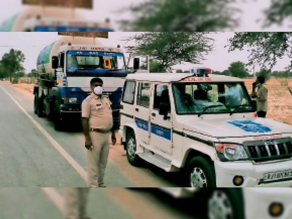 ऑक्सीजन का टैंकर लाते एस्कॉर्ट टीम। (फाइल फोटो) - Dainik Bhaskar