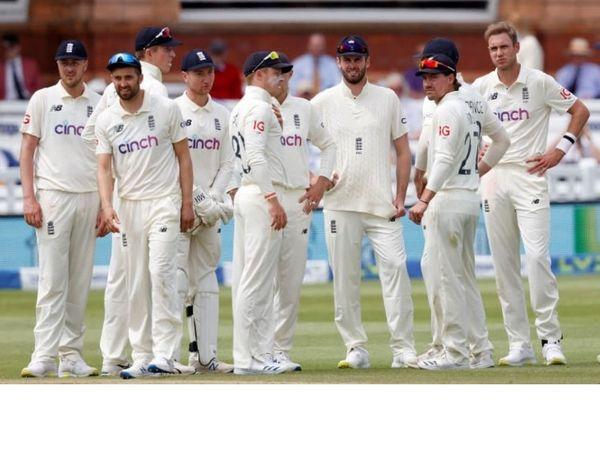 रविवार को सलामी बल्लेबाज डोम सिबली और कप्तान जो रूट के बीच साझेदारी की वजह से इंग्लैंड पांचवें दिन न्यूजीलैंड के खिलाफ पहला टेस्ट ड्रॉ कराने में सफल रहा।