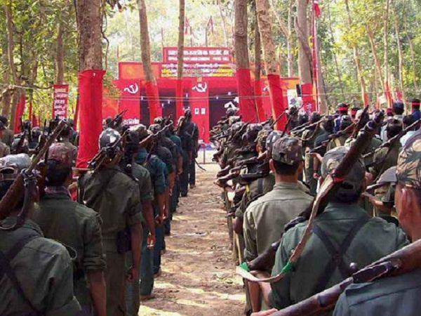 महाराष्ट्र के गढ़चिरौली में 21 मई को C-60 फोर्स के जवानों के साथ हुई मुठभेड़ में छत्तीसगढ़ के दंतेवाड़ा निवासी नंदनी उर्फ प्रेमबत्ती मंडावी और रोहित उर्फ मनेश भी मारे गए थे। - Dainik Bhaskar