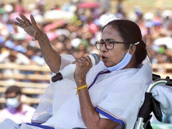 बंगाल विधानसभा चुनाव के दौरान प्रचार करती हुई ममता बनर्जी। 200 से ज्यादा सीटों के साथ एक बार फिर से बंगाल में दीदी की वापसी हुई है।