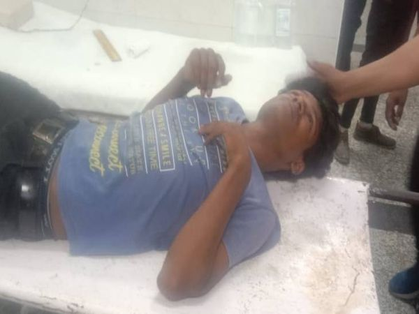 एनकाउंटर में घायल बदमाश। - Dainik Bhaskar