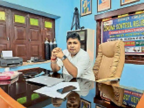 हिंदराज संस्था के संस्थाापक नरेंद्र कुमार। - Dainik Bhaskar