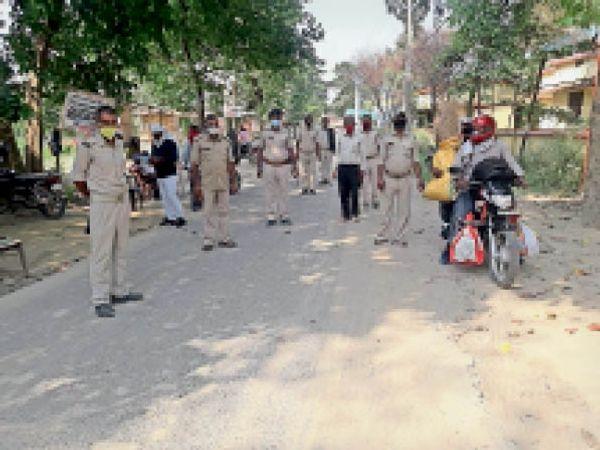 वाहन चालकों से तीन हजार रुपए का जुर्माना वसूला - Dainik Bhaskar