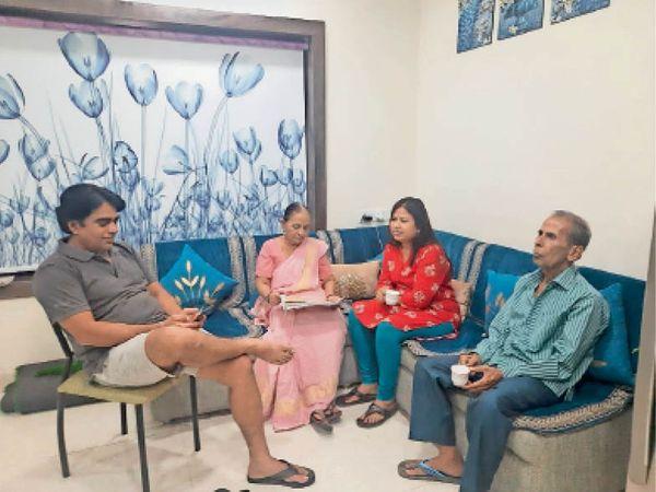 अशोक विहार में रहने वाले इस परिवार ने घर पर ही काेरोना को हराया। - Dainik Bhaskar
