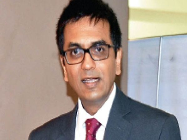 जस्टिस चंद्रचूड़ ने पत्र में यह भी कहा है कि इस सिस्टम को सुधारने में कोई वित्तीय परेशानी आए तो भी सुधार किया जाना चाहिए। - Dainik Bhaskar