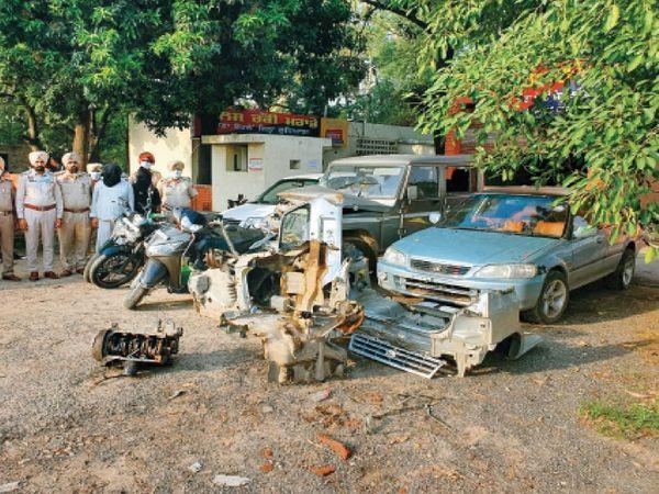 पुलिस ने आरोपियों से बरामद किए चोरी के वाहन। - Dainik Bhaskar