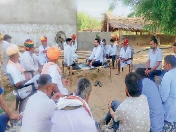 परबतसर, नागौर. परबतसर विधायक रामनिवास गावड़िया की चाय पर चर्चा। - Dainik Bhaskar