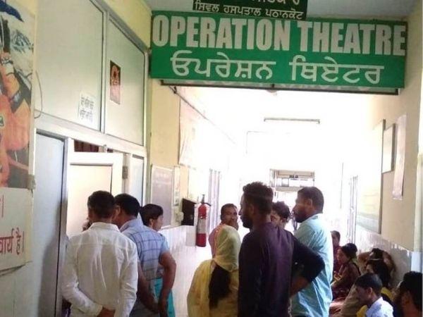 कोविड के चलते सिविल अस्पताल में सिर्फ सिजेरियन और इमरजेंसी में हडि्डयाें का ऑपरेशन किया जा रहा था। - Dainik Bhaskar