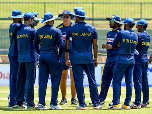श्रीलंका टीम को इंग्लैंड दौरे 18 जून से 4 जुलाई के बीच तीन वनडे और तीन टी-20 मैचों की सीरीज खेलनी है। - Dainik Bhaskar