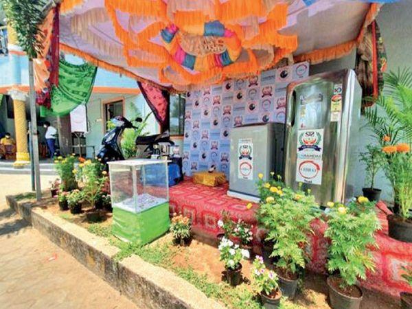 सीएन रामदास सीडी ट्रस्ट के गिरीश बताते हैं कि पहला प्रोजेक्ट सफल रहा, अब दूसरे गांवों में यह योजना शुरू करेंगे। - Dainik Bhaskar