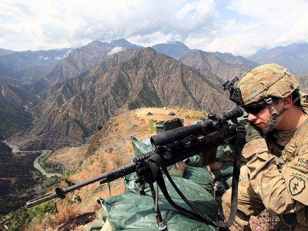 अमेरिका पाकिस्तान से एयर और मिलिट्री बेस इसलिए चाहता है ताकि वो यहां से अफगानिस्तान पर नजर रख सके। (फाइल) - Dainik Bhaskar