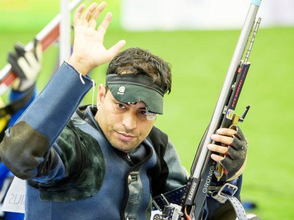 पुरुषों में शूटर संजीव राजपूत भारत के ध्वज वाहक हो सकते हैं।