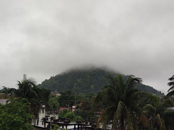 असम के कई जिलों में भारी बारिश हो रही है, फोटो गुवाहाटी की है।