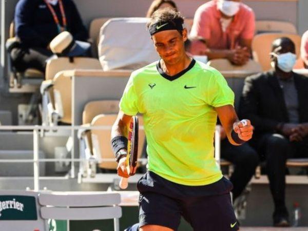 डिफेंडिंग चैंपियन राफेल नडाल ने सोमवार को इटली के जननिक सिनर को लगातार तीनों सेंटों में 7-5, 6-3, 6-0 हराकर क्वार्टर फाइनल में प्रवेश किया।