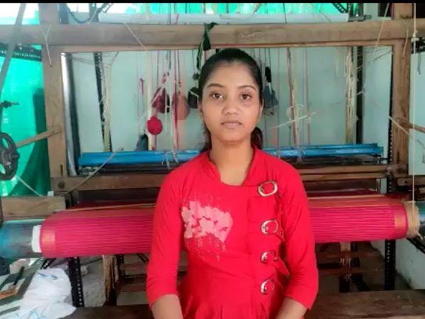 मध्यप्रदेश की रहने वाली कल्याणी बुनाई का काम करती हैं। वह अभी राहा फाउंडेशन के साथ जुड़कर काम कर रही हैं।
