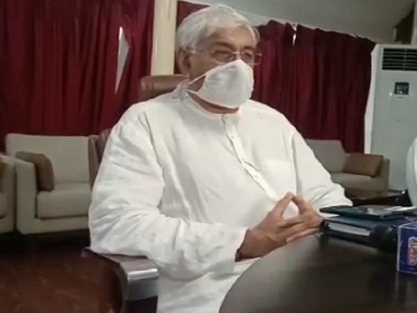 टीकाकरण को लेकर बुधवार को सरकार की अहम बैठक के बाद आगे की रणनीति तय होगी। - Dainik Bhaskar