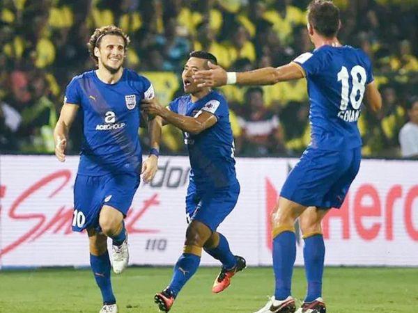 उरुग्वे के दिग्गज फुटबॉलर डिएगो फोरलॉन भी ISL खेल चुके हैं। वे 2016 में मुंबई सिटी के लिए खेल रहे थे। - Dainik Bhaskar