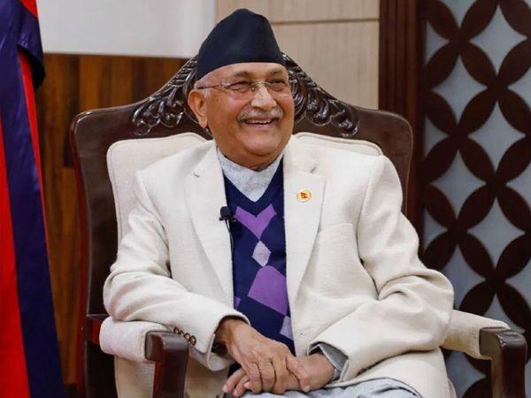 नेपाल के प्रधानमंत्री का अपनी ही पार्टी में विरोध हो रहा था। उनकी पार्टी में विभाजन हो चुका है। (फाइल) - Dainik Bhaskar