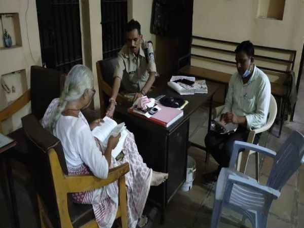 क्षेत्रीय पुलिस की मिलीभगत से - Dainik Bhaskar