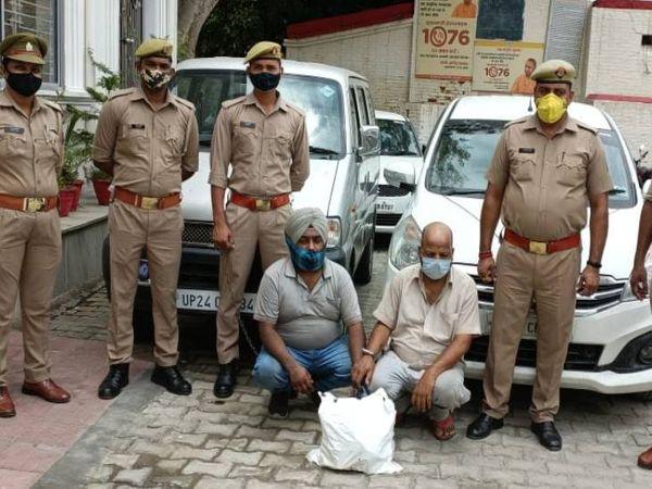 दो कार चोर पुलिस की गिरफ्त में हैं। बाकी की तलाश की जा रही है। चोरी का यह तरीका देख पुलिस भी हैरान है। - Dainik Bhaskar