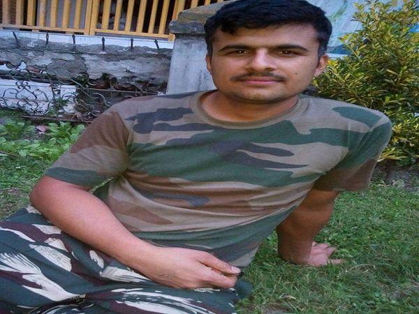 जवान रविंद्र का फाइल फोटो।
