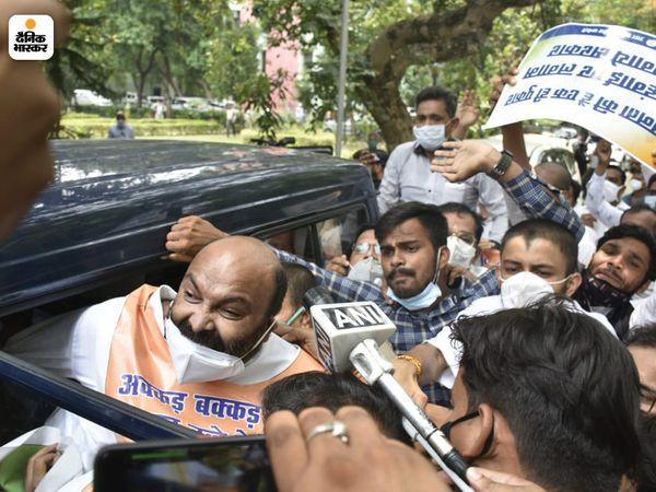 कांग्रेस प्रदेश अध्यक्ष विधानसभा की तरफ कूच करने निकले थे। इसी दौरान उन्हें गिरफ्तार कर लिया गया।
