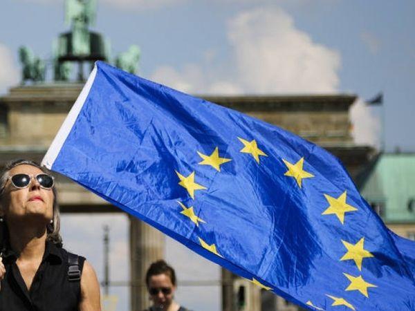मार्च 2020 में पहली बार यूरोपीय संघ के दरवाजे बाहरी दुनिया के लिए काेराेना की वजह से बंद किए गए थे। - Dainik Bhaskar
