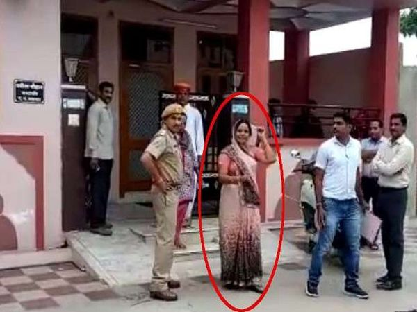 एसीबी कार्रवाई के बाद गिरफ्तार बबीता चौहान-फाइल फोटो